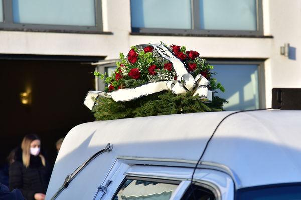 24xi2020 - coraz wiecej ludzi na cmentarzu, zdjęcie 3/16