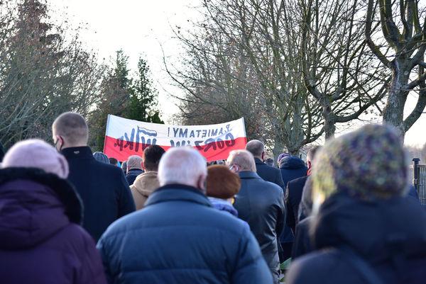 24xi2020 - coraz wiecej ludzi na cmentarzu, zdjęcie 12/16