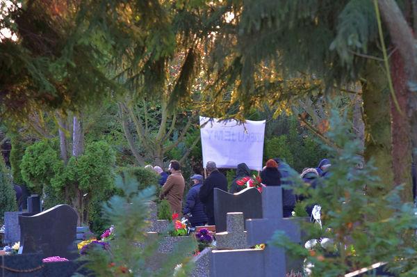 24xi2020 - coraz wiecej ludzi na cmentarzu, zdjęcie 13/16