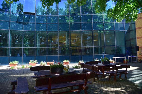 biblioteczne patio zaprasza, zdjęcie 2/16