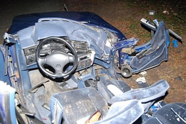 nie mial prawa jazdy rozwalil auto sa ranni, zdjęcie 1/3