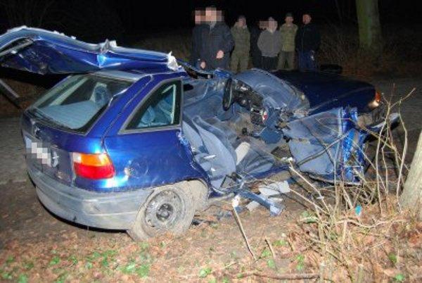 nie mial prawa jazdy rozwalil auto sa ranni, zdjęcie 2/3