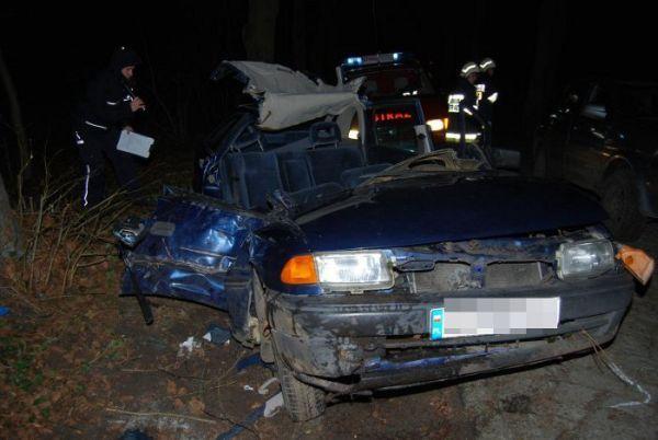 nie mial prawa jazdy rozwalil auto sa ranni, zdjęcie 3/3