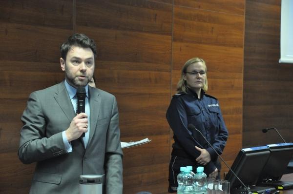 debatowali o bezpieczenstwie, zdjęcie 2/11