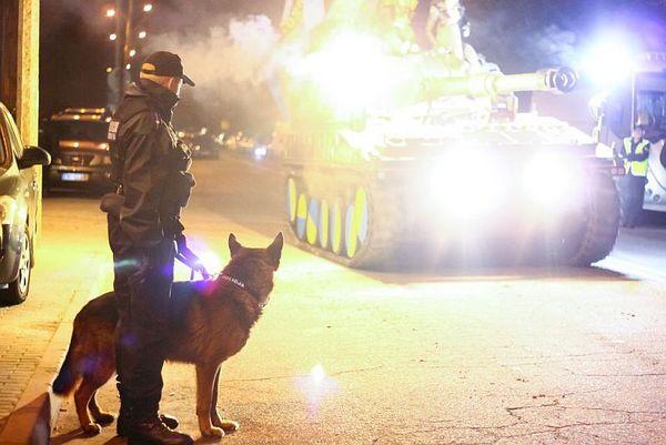 policja po wygranym meczu stali z falubazem  dwie, zdjęcie 1/30