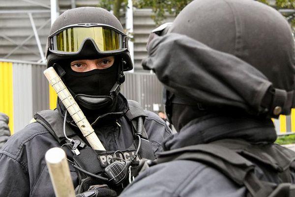 policja po wygranym meczu stali z falubazem  dwie, zdjęcie 10/30