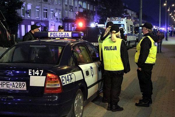 policja po wygranym meczu stali z falubazem  dwie, zdjęcie 15/30