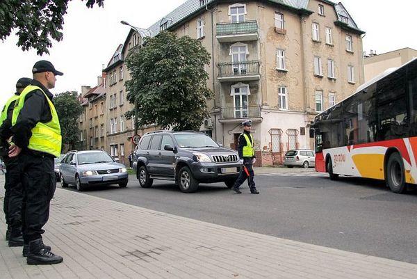 policja po wygranym meczu stali z falubazem  dwie, zdjęcie 29/30