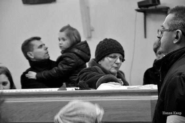 wierni zegnaja swojego duszpasterza, zdjęcie 27/32