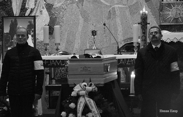 wierni zegnaja swojego duszpasterza, zdjęcie 31/32
