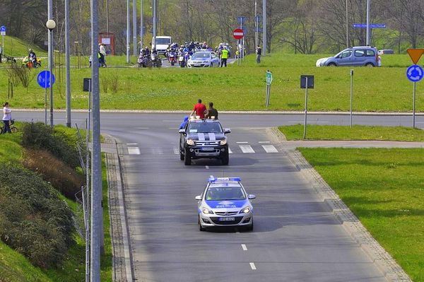 milosnicy motocykli jechali jechali jechali, zdjęcie 2/15