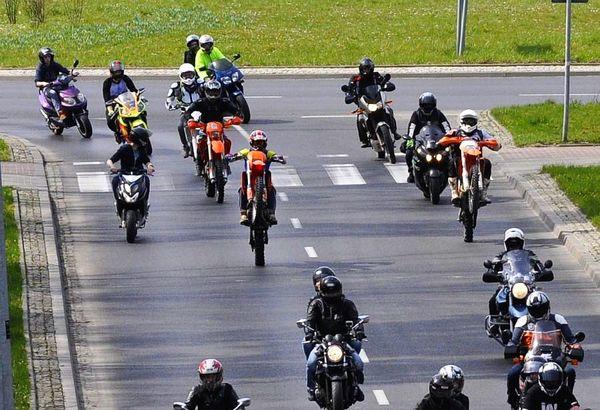 milosnicy motocykli jechali jechali jechali, zdjęcie 4/15