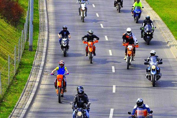 milosnicy motocykli jechali jechali jechali, zdjęcie 5/15