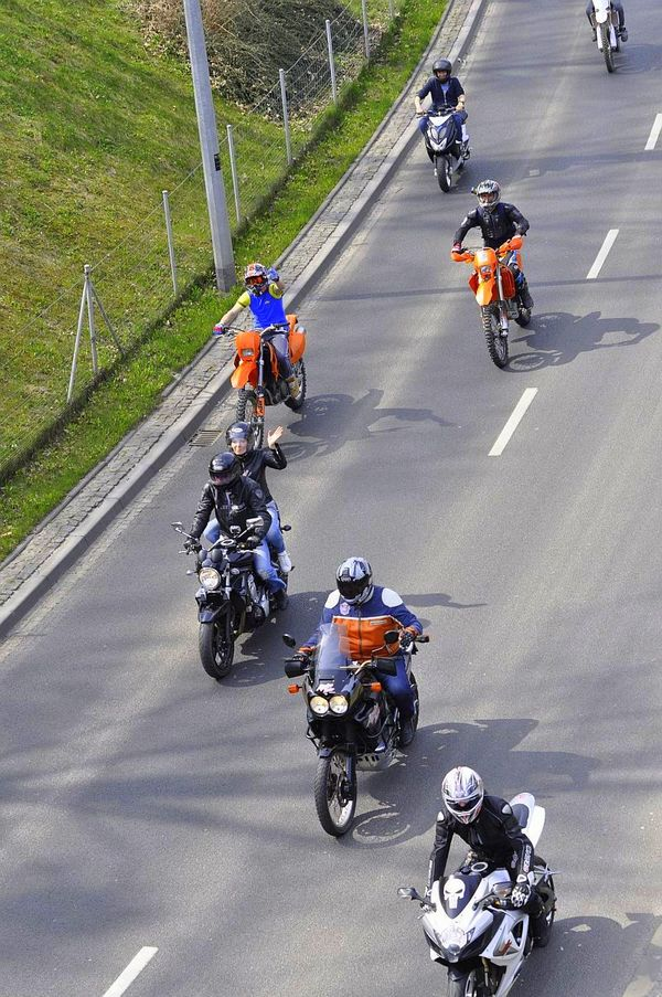 milosnicy motocykli jechali jechali jechali, zdjęcie 7/15