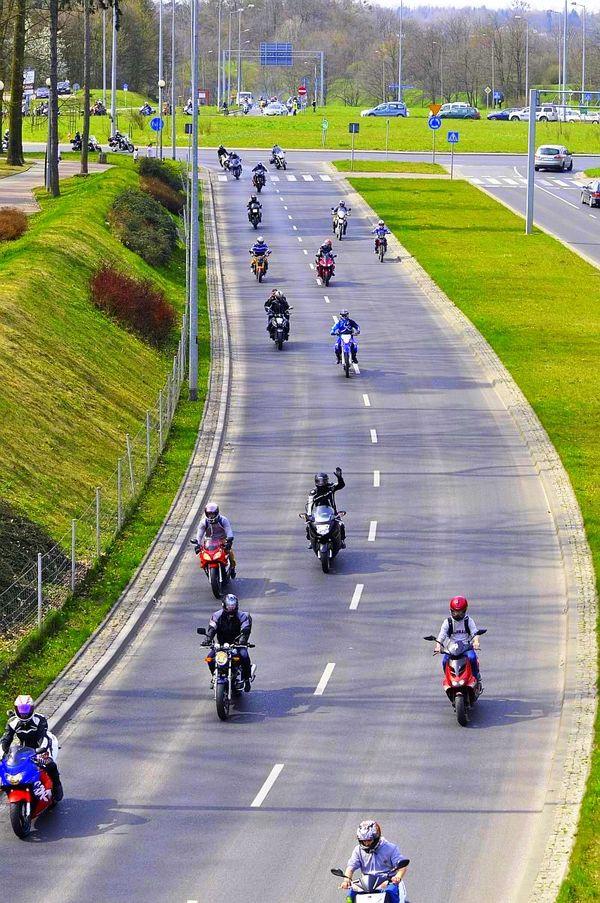 milosnicy motocykli jechali jechali jechali, zdjęcie 8/15