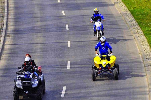 milosnicy motocykli jechali jechali jechali, zdjęcie 12/15
