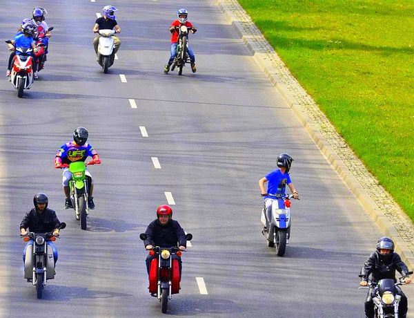 milosnicy motocykli jechali jechali jechali, zdjęcie 15/15