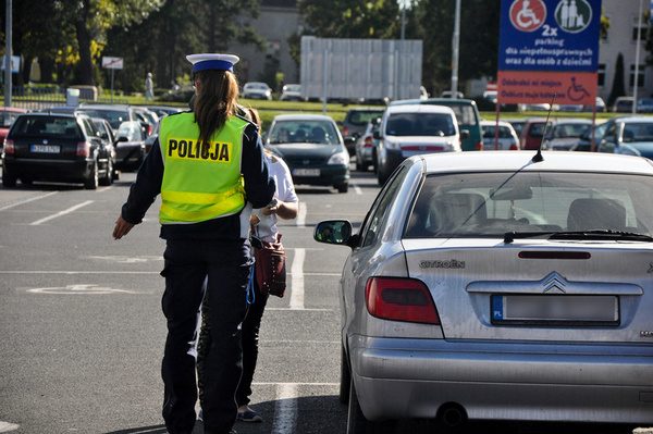 policjanci kontroluja a spoldzielnia gorczyn , zdjęcie 4/18