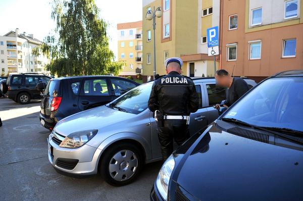 policjanci kontroluja a spoldzielnia gorczyn , zdjęcie 7/18