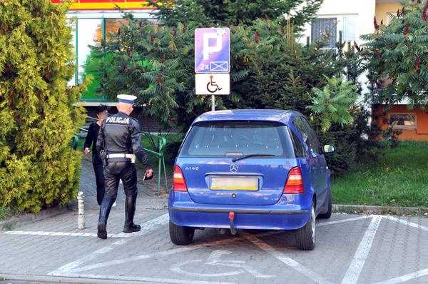 policjanci kontroluja a spoldzielnia gorczyn , zdjęcie 10/18