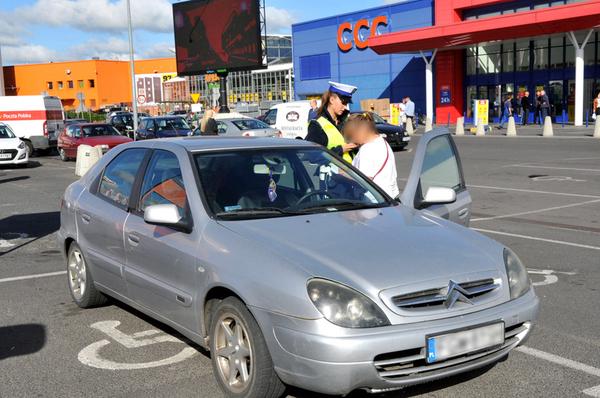policjanci kontroluja a spoldzielnia gorczyn , zdjęcie 11/18