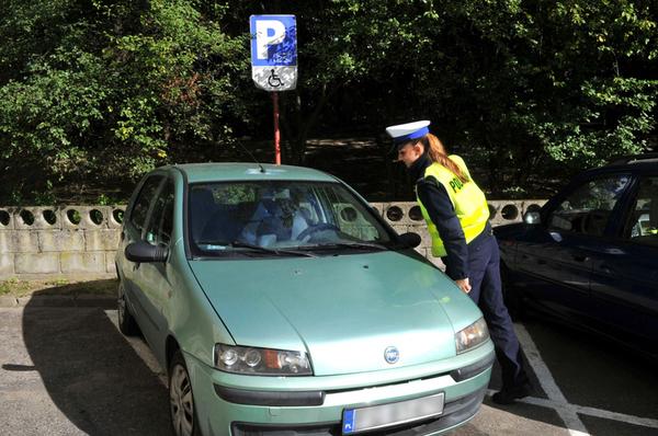 policjanci kontroluja a spoldzielnia gorczyn , zdjęcie 12/18
