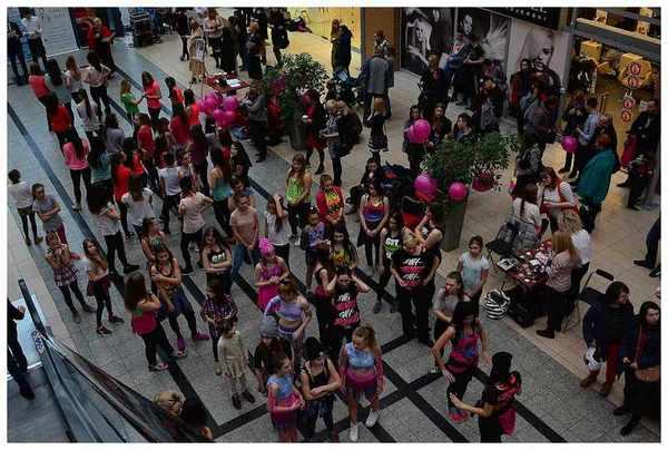tancem pokazaly sprzeciw wobec przemocy, zdjęcie 1/40