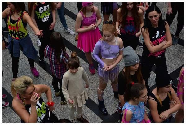 tancem pokazaly sprzeciw wobec przemocy, zdjęcie 2/40