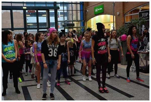 tancem pokazaly sprzeciw wobec przemocy, zdjęcie 9/40
