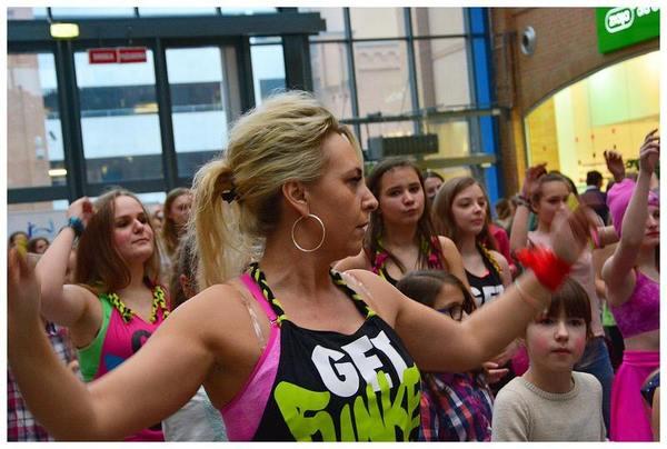 tancem pokazaly sprzeciw wobec przemocy, zdjęcie 14/40