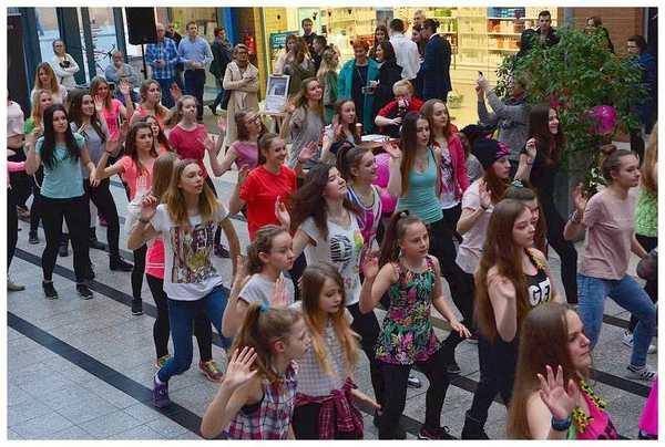 tancem pokazaly sprzeciw wobec przemocy, zdjęcie 17/40