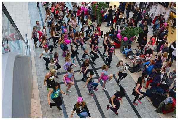 tancem pokazaly sprzeciw wobec przemocy, zdjęcie 21/40