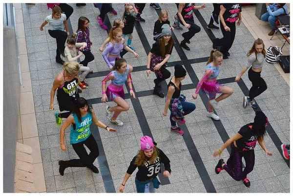 tancem pokazaly sprzeciw wobec przemocy, zdjęcie 22/40