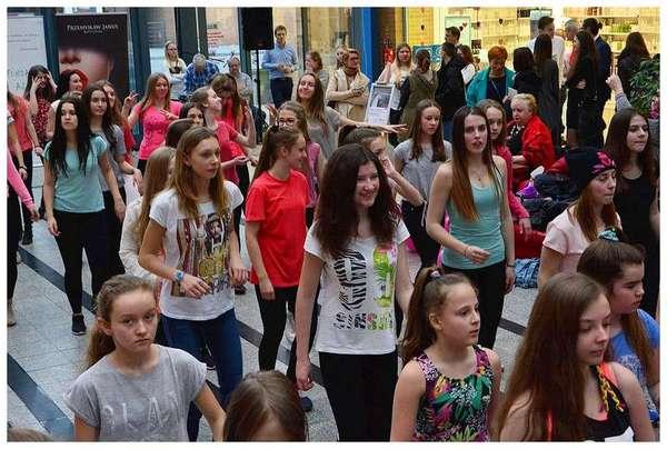 tancem pokazaly sprzeciw wobec przemocy, zdjęcie 26/40