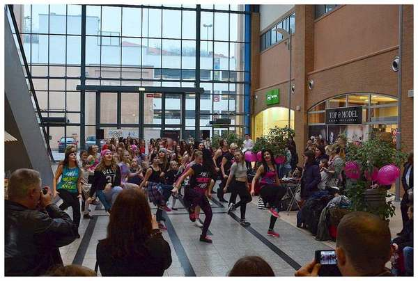 tancem pokazaly sprzeciw wobec przemocy, zdjęcie 28/40