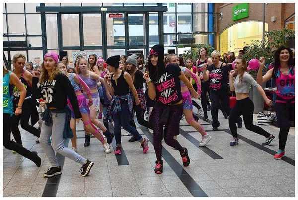 tancem pokazaly sprzeciw wobec przemocy, zdjęcie 30/40