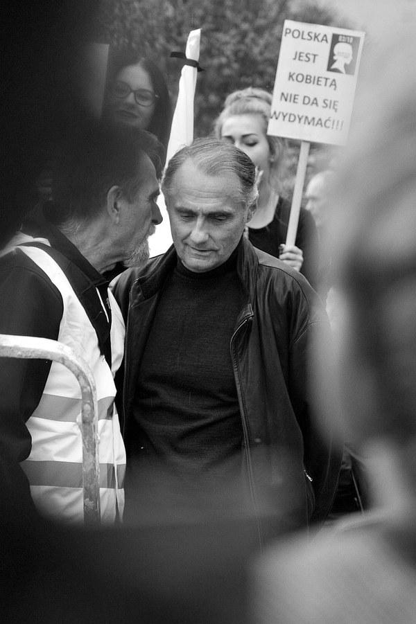 emocjonalny protest w czerni, zdjęcie 14/32