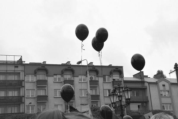 emocjonalny protest w czerni, zdjęcie 15/32