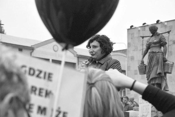 emocjonalny protest w czerni, zdjęcie 19/32