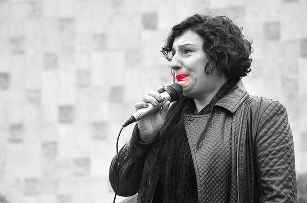emocjonalny protest w czerni, zdjęcie 20/32