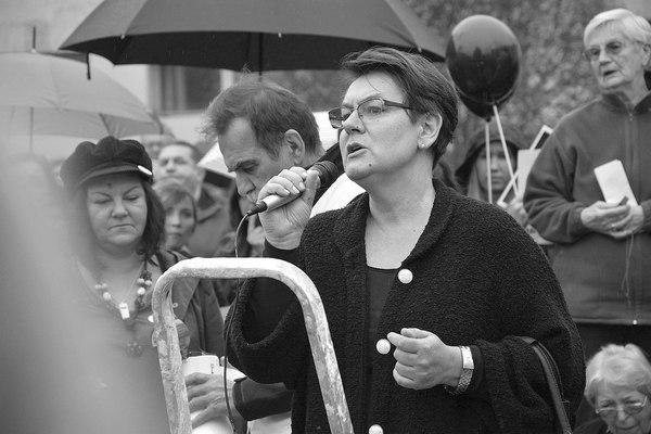 emocjonalny protest w czerni, zdjęcie 22/32