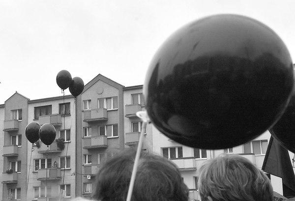 emocjonalny protest w czerni, zdjęcie 25/32