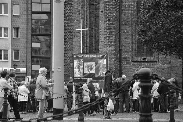 emocjonalny protest w czerni, zdjęcie 32/32