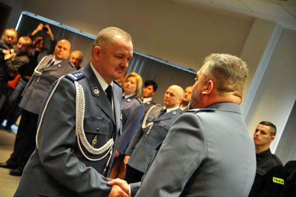 od nowego roku w policyjnym mundurze, zdjęcie 4/30