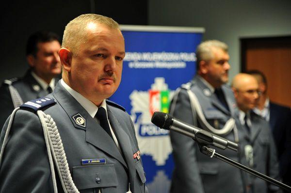 od nowego roku w policyjnym mundurze, zdjęcie 5/30