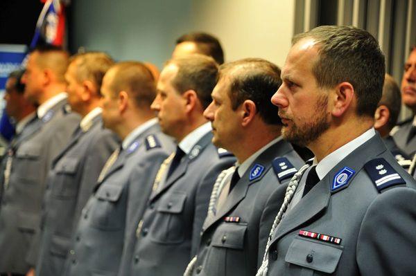 od nowego roku w policyjnym mundurze, zdjęcie 7/30