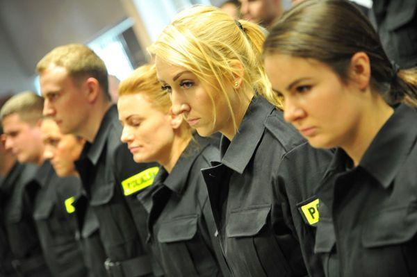 od nowego roku w policyjnym mundurze, zdjęcie 9/30