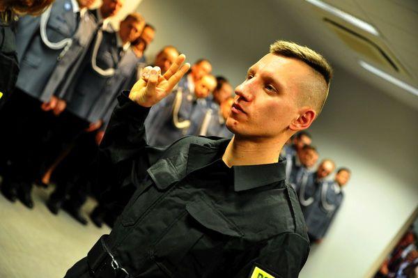 od nowego roku w policyjnym mundurze, zdjęcie 13/30