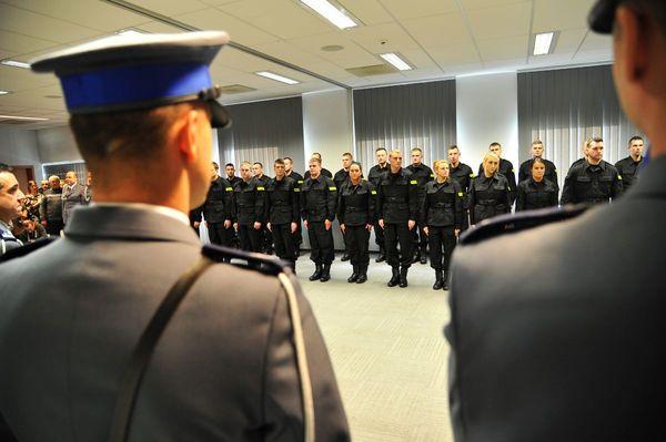 od nowego roku w policyjnym mundurze, zdjęcie 17/30