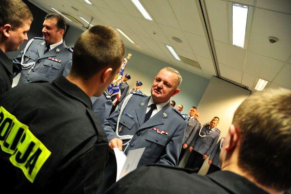 od nowego roku w policyjnym mundurze, zdjęcie 20/30